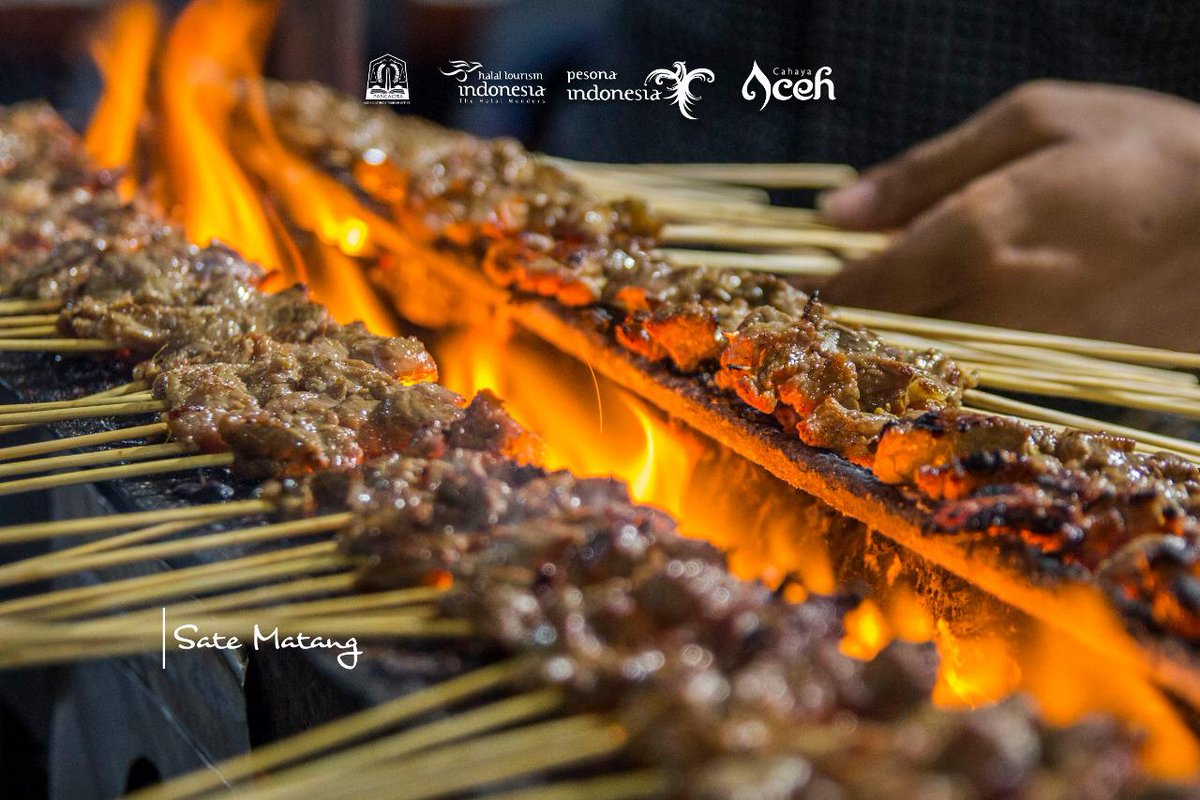 | *Let's explore and try Aceh culinary with unique delicacy* | Apart from the exotic beauty of nature and culture, not to mention its charming humble people, Aceh is also known worldwide with another specific and unique tourism experience, that is Aceh culinary #thelightofacehpic.twitter.com/HL2drx1w5K