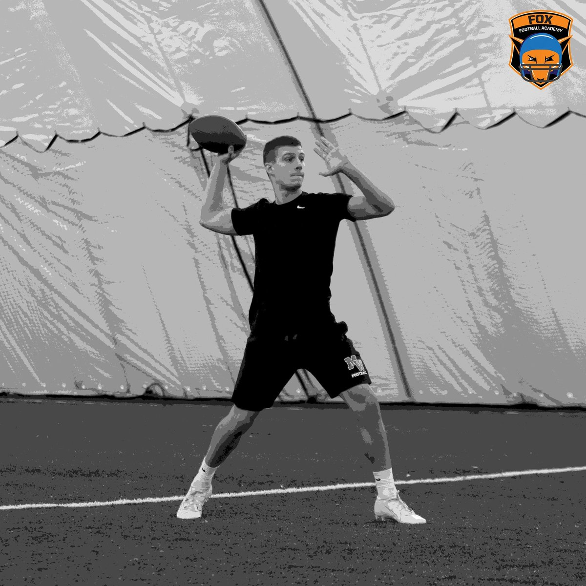Receive elite #Quarterback training this Sunday at HSC! Spots are limited for our #footballtraining. Sign up using the links below:  Session 1: 1PM to 2PM https://www.hudsonsportscomplex.com/events-1/quarterback-training-session-1…  Session 2: 2PM to 3PM https://www.hudsonsportscomplex.com/events-1/quarterback-training-session-2…  Session 3: 3PM to 4PM https://www.hudsonsportscomplex.com/events-1/quarterback-training-session-3…pic.twitter.com/x8BHVe7E7w