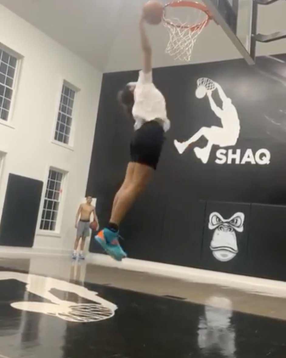 Shaq's 13-Year-Old Daughter Can Dunk 🤯