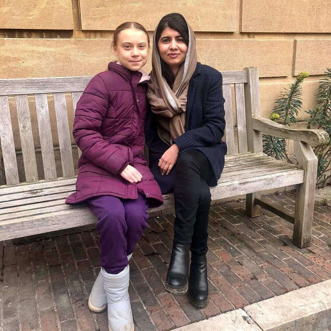 This will either cheer you up or annoy you - two awesome, heroic women in #Oxford! 😁 #ClimateChange  #ClimateEmergency  #GretaThunberg #Malala