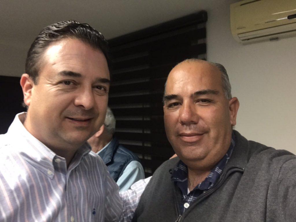 Fortalecimiento Institucional #Buenavibra con el Presidente del CM del PRI Saltillo, Dip. @jaimebuenoz a darle que se ocupa!.. @manolojim @rigofuentes @marthaloeraa @AdrianHerrera @lalomedrano11 @apimeg @anguiano72 @mariocontreras1 @LuzMorales  @ruben_glez003 @Manuel_Boonepic.twitter.com/y8YndxNRjP