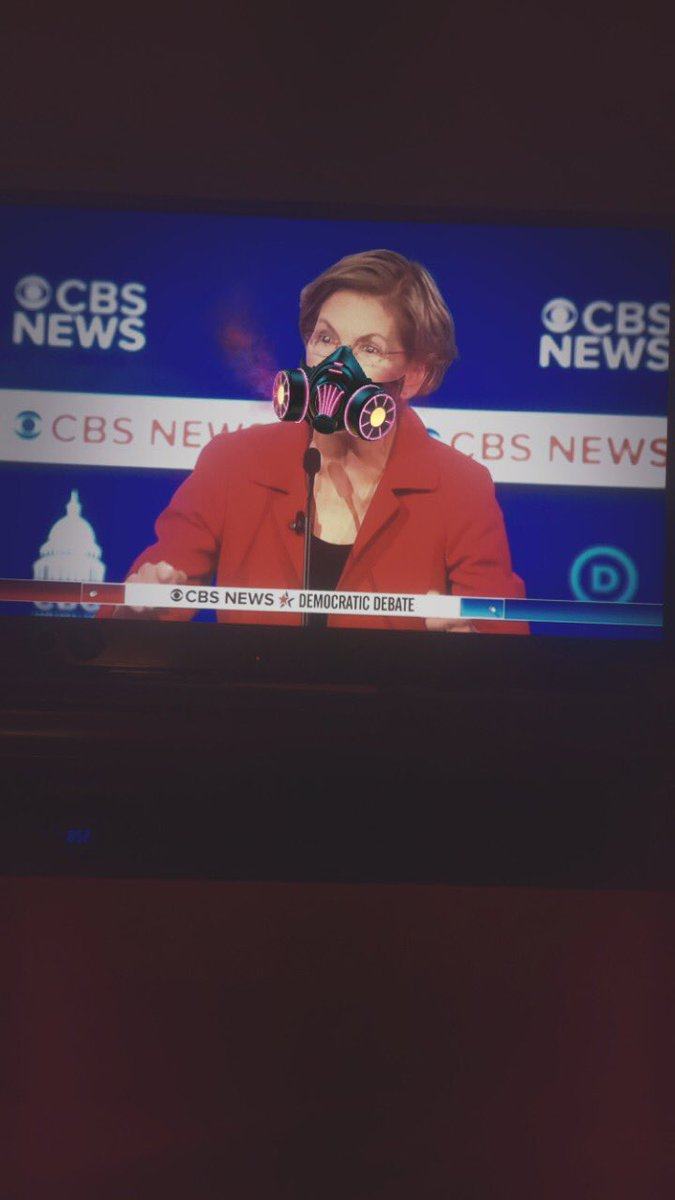 A bunch of clowns on the democrat debate tonight #Trump2020 #MyPresident pic.twitter.com/GeoE8Qdk6c