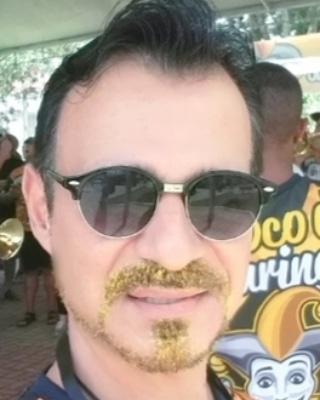 Só para finalizar o carnaval 2020, barba dourada não é pra qualquer um..... é?  #blocodocuringa #dizquemeamaporra  #photooftheday #picoftheday #bestofthed #instadaily #Yolo #instastyle #territoriodohomem #modafashion #styleblogger #styleformen #homem  @antrato #antratorouparia