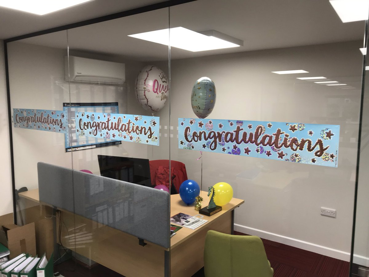 First day back in the @Racingwelfare office from the @Godolphin #StudAndStableStaff awards and I walk in to find this lovely surprise. My colleagues are just the BEST! #Dreamteam #thankyou #GoodDayAtWork 😊🙏🏼