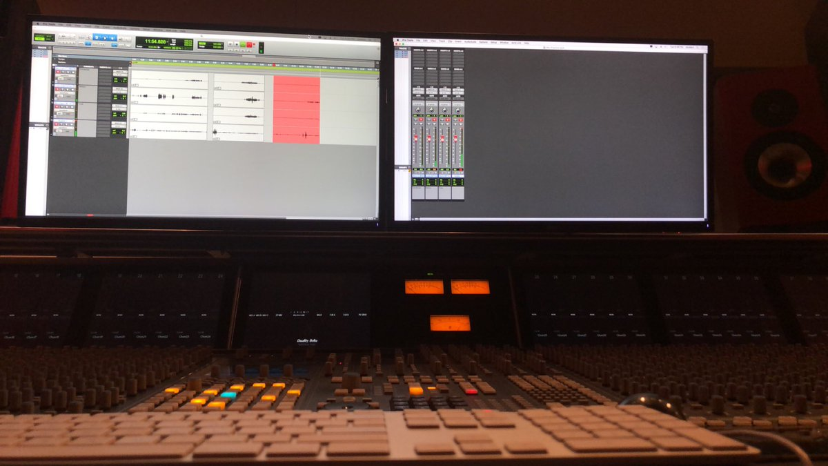 another night, another studio time   #audioengineer <br>http://pic.twitter.com/Ni4F9rDH3F