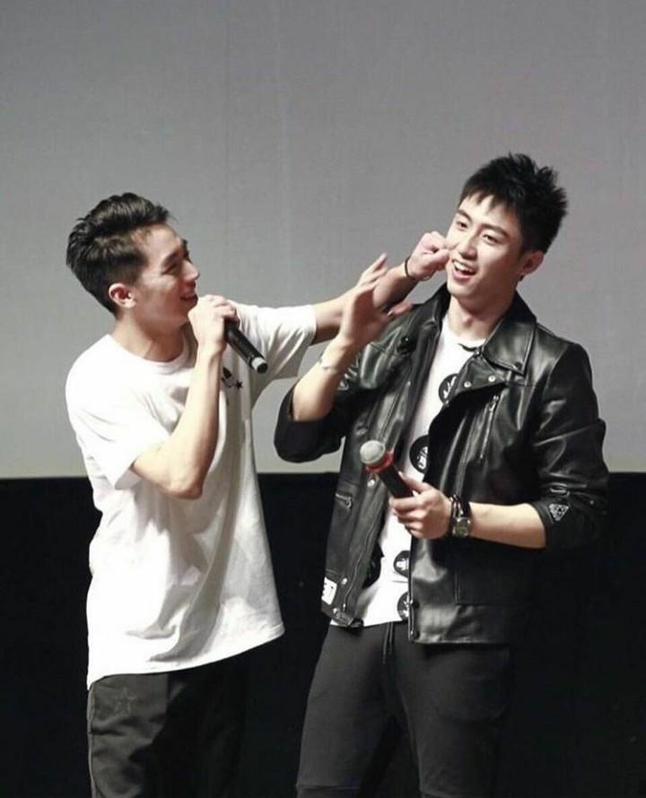 one more reason to have a full heart! my daily #YuZhou #Addicted #XuWeiZhou  #HuangJingYu #GuHai  #BaiLuoYinpic.twitter.com/CGBYvGCNIP
