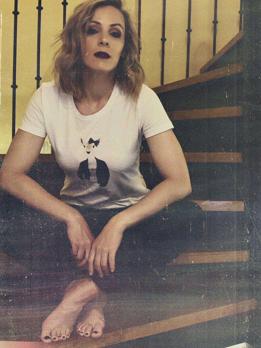 El Top Ventas del Verano pasado  Camiseta Cierva @pasionmorenawildlife  Hoy preparando ya las que serán Top Ventas en Verano 2020#buenosdias familia!! #modacaza #modacampo #cazadora #caza #cazamayor #cazamenor #chasseresse #womanhunter #mujercazadora #cacciapic.twitter.com/qsY9K5Kxwr
