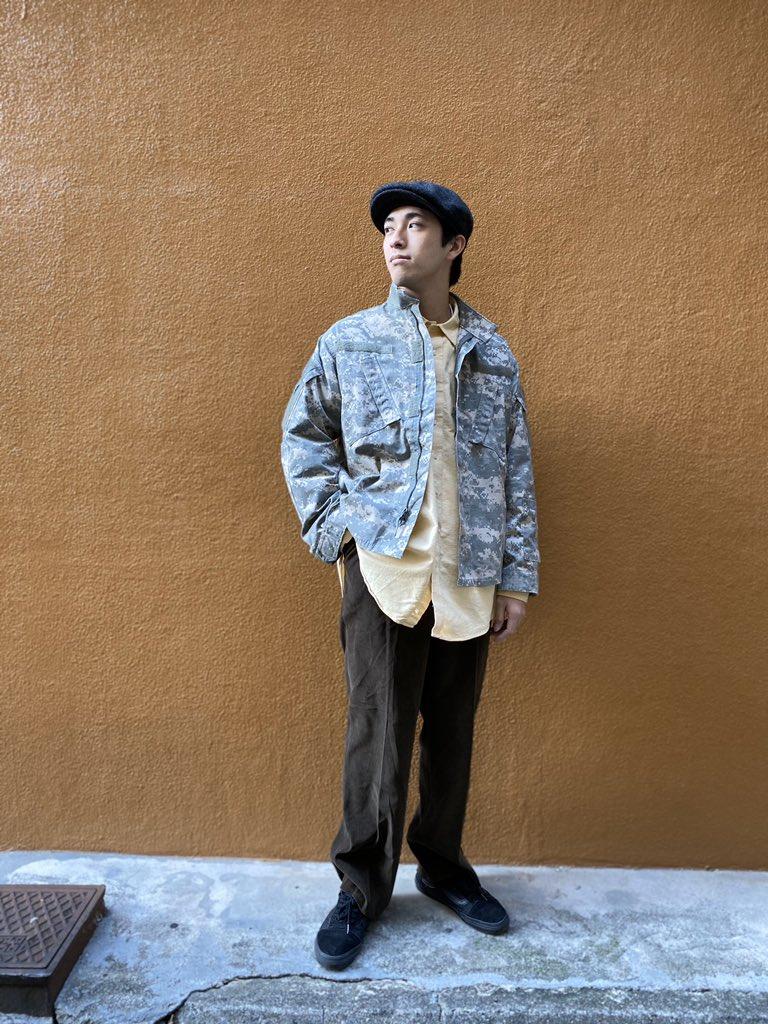 "US Army Combat UniformOld Corduroy PantsLANDS' END Work Shirts通称ACUデジタル迷彩を初めて採用されたミリタリージャケット背中に""CRRECTIONS""とステンシルが入ったタイプと無しのタイプと今2種類あります"