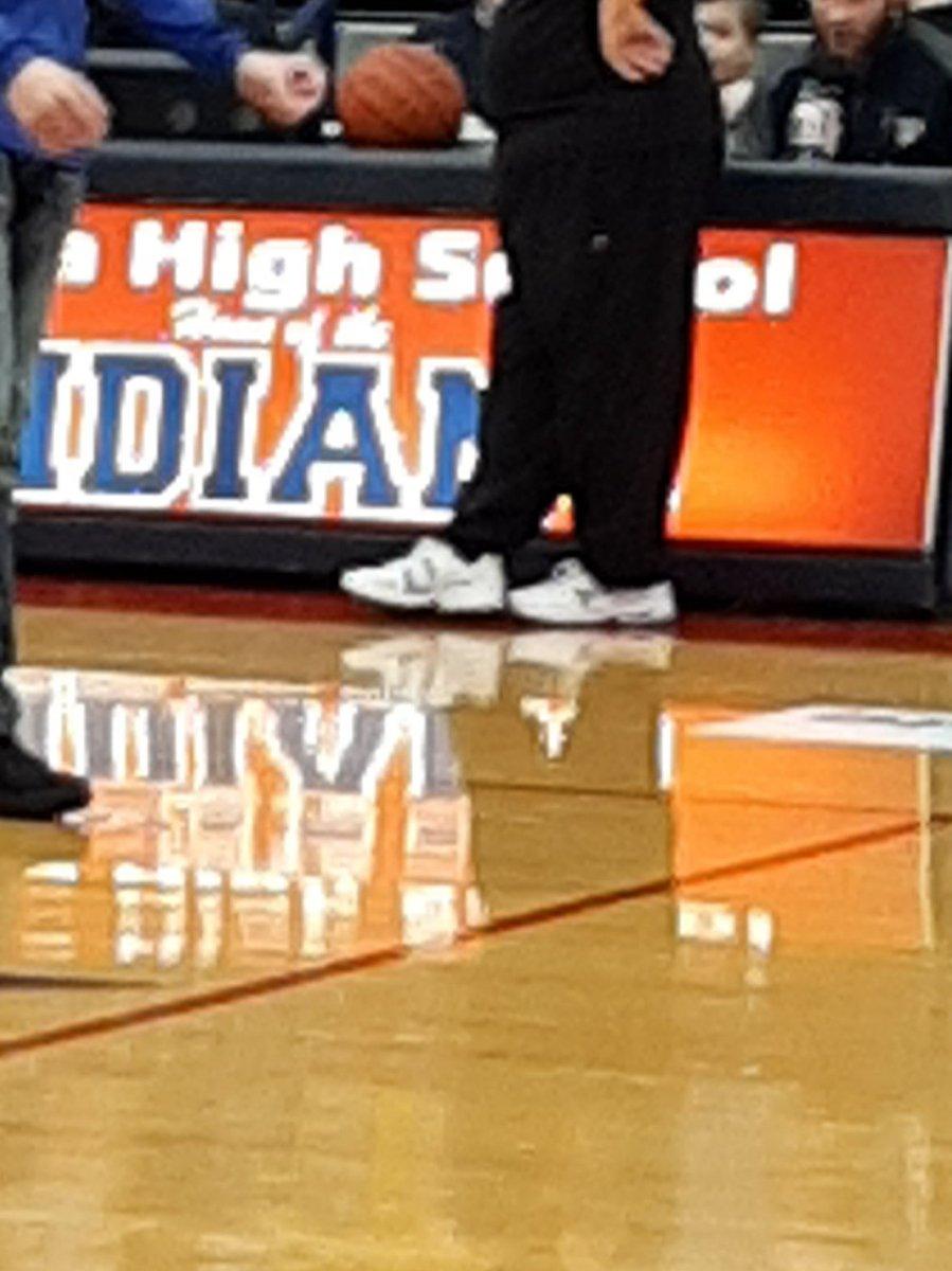 So many shoes so little time #oldmanshoes #DadShoes @wiyos2000 @turner8806 @DadShoes2 @wiyos2000 @mikey_maurer @KevinTurner3 @MeyersTav @BeckyPuthoff @wabocraig @beilerman @BrianAlbers34pic.twitter.com/aIxg8jqhSR