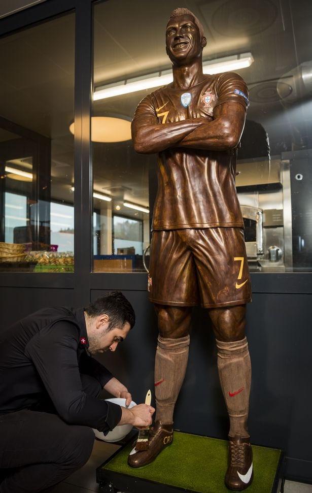 Juventus : une statue en chocolat pour Cristiano Ronaldo