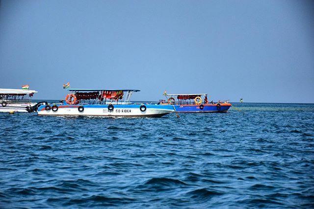 The boat, the sea, the sky, the air, the waves, all are ...... #andaman #sea #anadamansea #boat #island #nikon #NikonPhotography https://ift.tt/2Posd42pic.twitter.com/3vL5c8uzuj