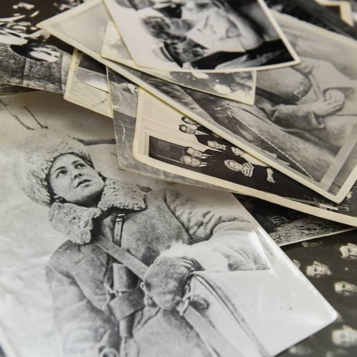 хранение исторических фотографий подвода тока подвижную