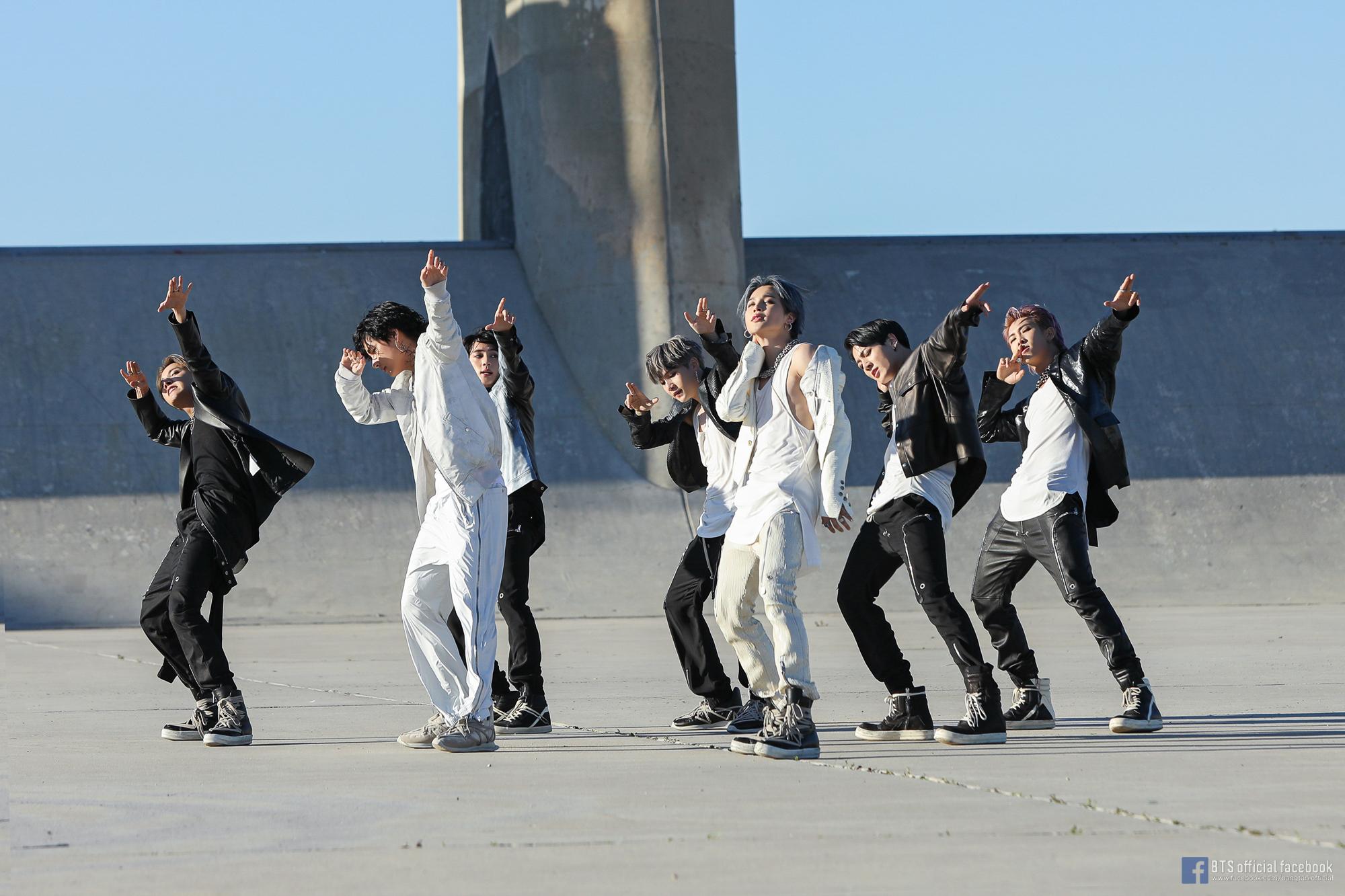 Konser BTS Map of The Soul TOUR di Seoul Dibatalkan Gara-Gara Virus Corona, ARMY Korea Justru Kompak Berdonasi dengan Uang Tiket yang Dikembalikan © Big Hit Entertainment