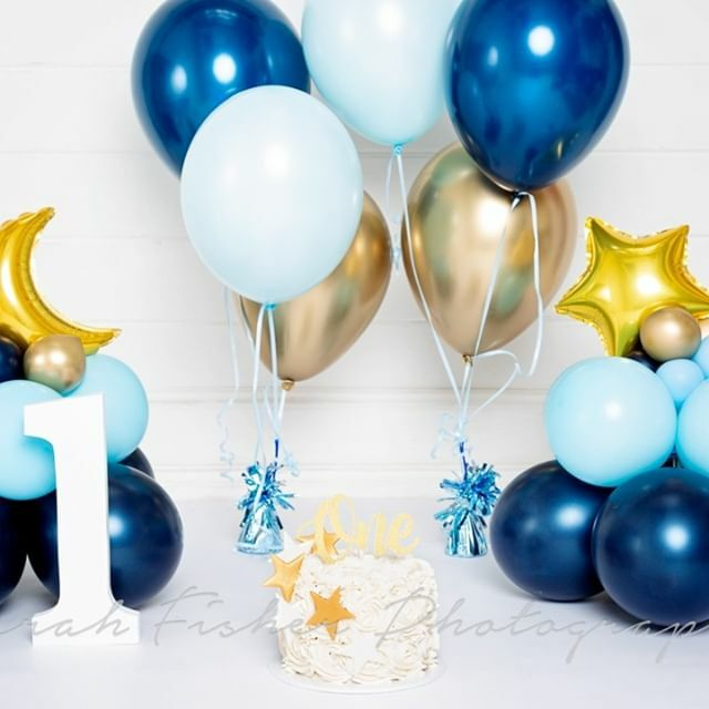 How gorgeous is this cake smash set up - loving the navy blue with the gold!   #sarahfishphoto #firstbirthday #babysfirstbirthday #thisisone #babiesofinstagram #babiesofinsta #cakesmash #cakesmashphotography #cakesmashsession #sussexphotographer #b… https://ift.tt/2vlCqrhpic.twitter.com/NmNICqavSy