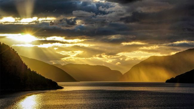 "#PictureOfTheDay: ""Norwegian #Sky"""