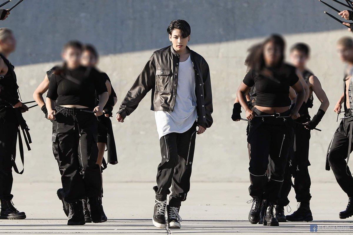 They kill us omggg #방탄소년단  #maknaeline #bts  @BTS_twt<br>http://pic.twitter.com/OyTGmuFrUA