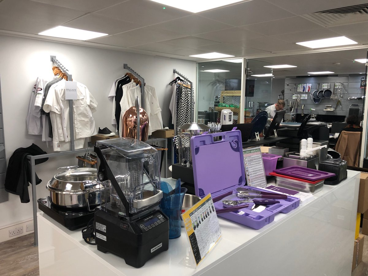 Image for FEM on tour @BunzlLockhart London Showroom, showcasing our new product innovations!  #cateringequipment #buffetdisplay #dinnerware #allergensafe #chefequipment https://t.co/URmaxQI5CM