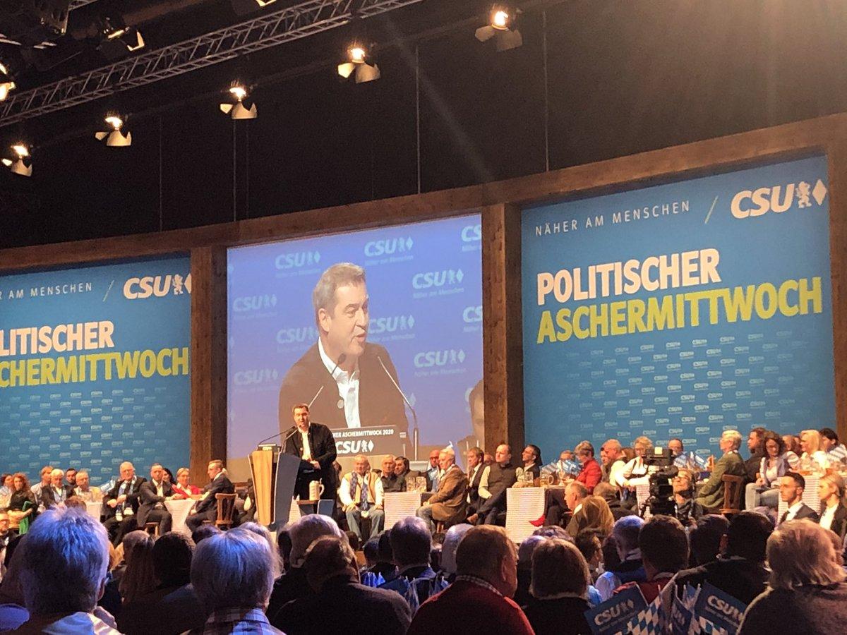 #Söder lästert sich beim #PAM2020 der #CSU quer durch die Berliner Politik: #Kühnert, #Nowabo und #Esken seien SPD-Tick, Trick und Track, #Habeck Küstenkavalier und Käptn Iglo der Grünen.pic.twitter.com/aUkGwU8hMs