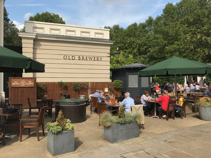 .#canterburyales research: went to @OldBrewery Greenwich. Fascinating history. Built for Henry VIII rebuilt 18thc to supply Porter to sick sailors. @MeantimeBrewing installed new brewery but now owned by @YoungsPubs not currently brewing. Nearby the opulent Trafalgar Tavern. https://t.co/ZAA0nwGqx4