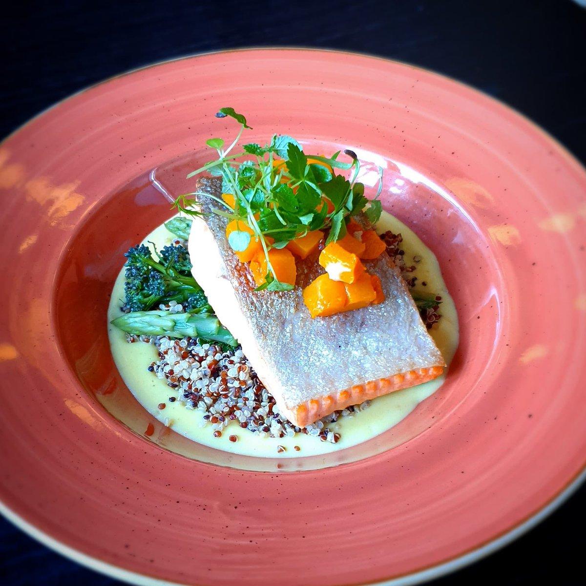 Today's special. Baked sea trout with lemon saffron cream,quinoa, asparagus and butternutsquash 👨🍳 👩🍳 #dublincitycentre #dublinonourdoorstep #Ourteam #chefgoals #chefteam #dublinfood #dublindining https://t.co/5GxY7AV8vr