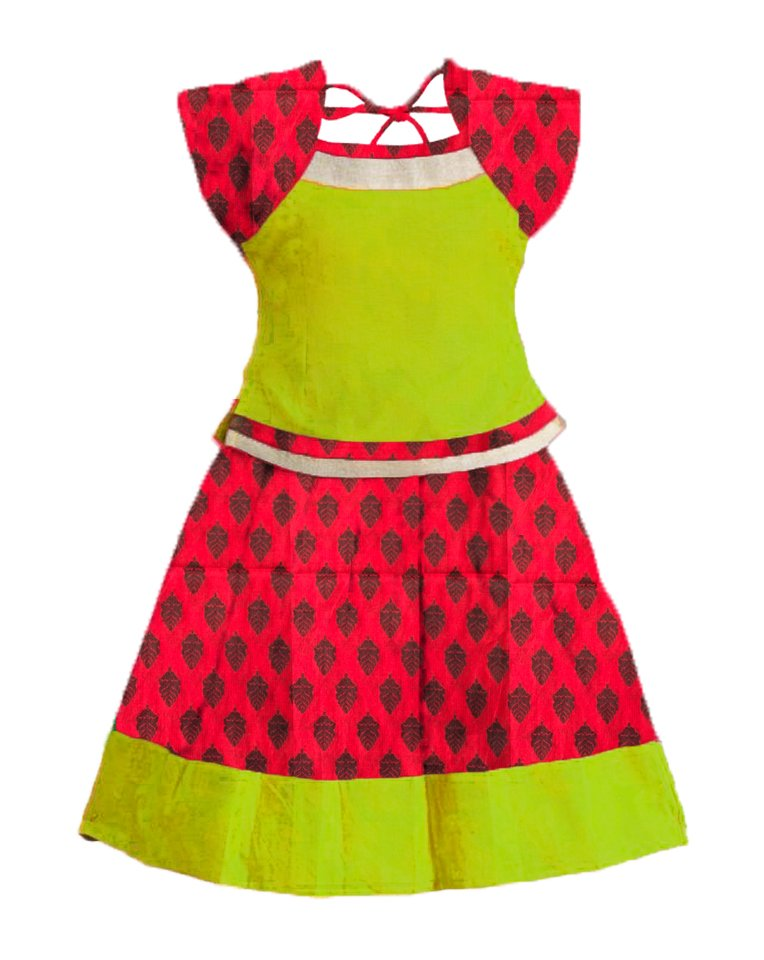 Readymade Lehenga is convenient for special occasions and festivals, Kids Pattu Langa green with red. #pavada #pavadasattai #langa #kidslehenga #kidswear #kidsethnicwear #southindianfashion #indiankidsfashion website: https://www.bujuma.com/ Call/Whatsapp us @+91 9994892040.pic.twitter.com/kiZEz8hZT6