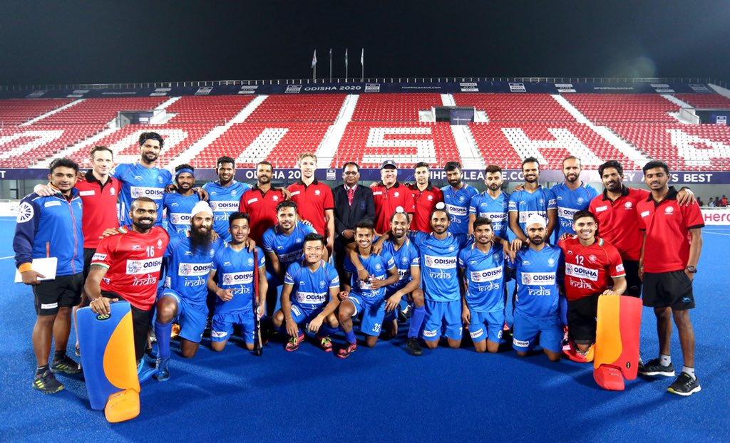Our support staff always brings out the best from our #MenInBlue, and Odisha always brings out the best out of Team India!   #IndiaKaGame<br>http://pic.twitter.com/1OPFX0ZoJd