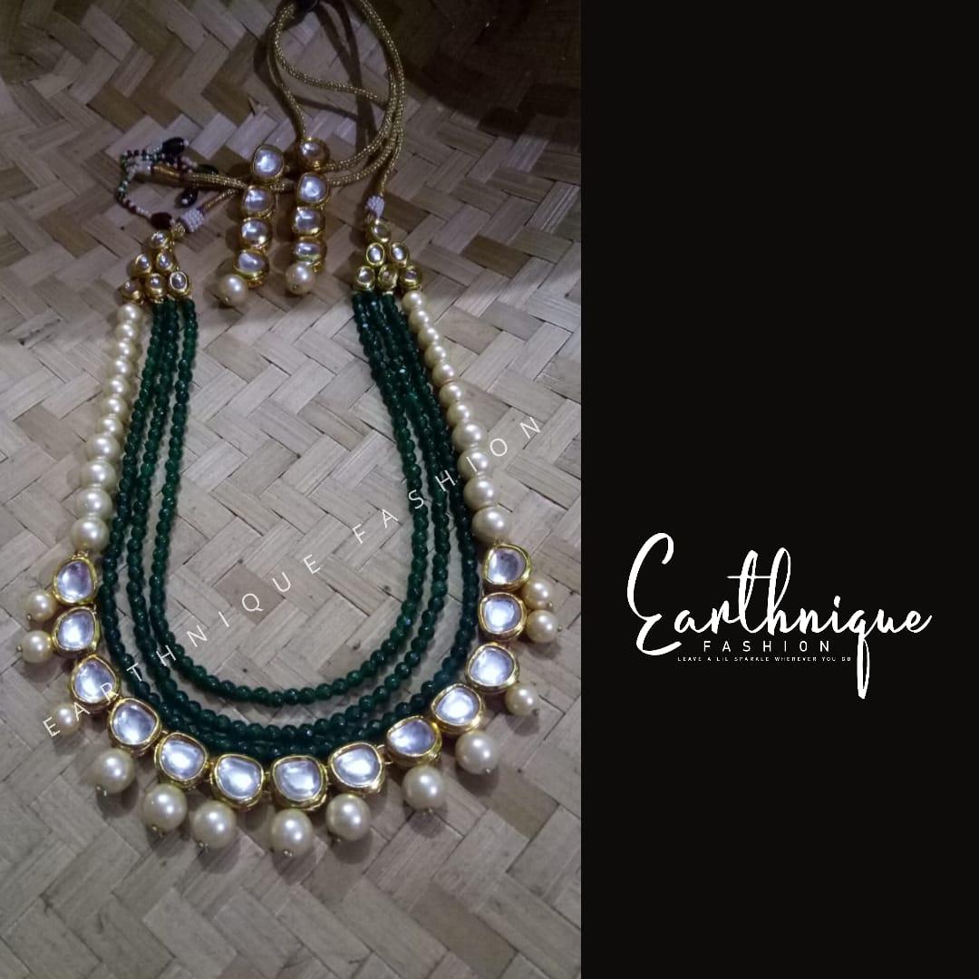 Exclusive kundan neckpiece designed for a client  #earthnique #fashion #jewellery #exclusive #design #client #bangalore #event #kundan #neckpiece #earring #indianjewellery pic.twitter.com/rtrGrdC5xc