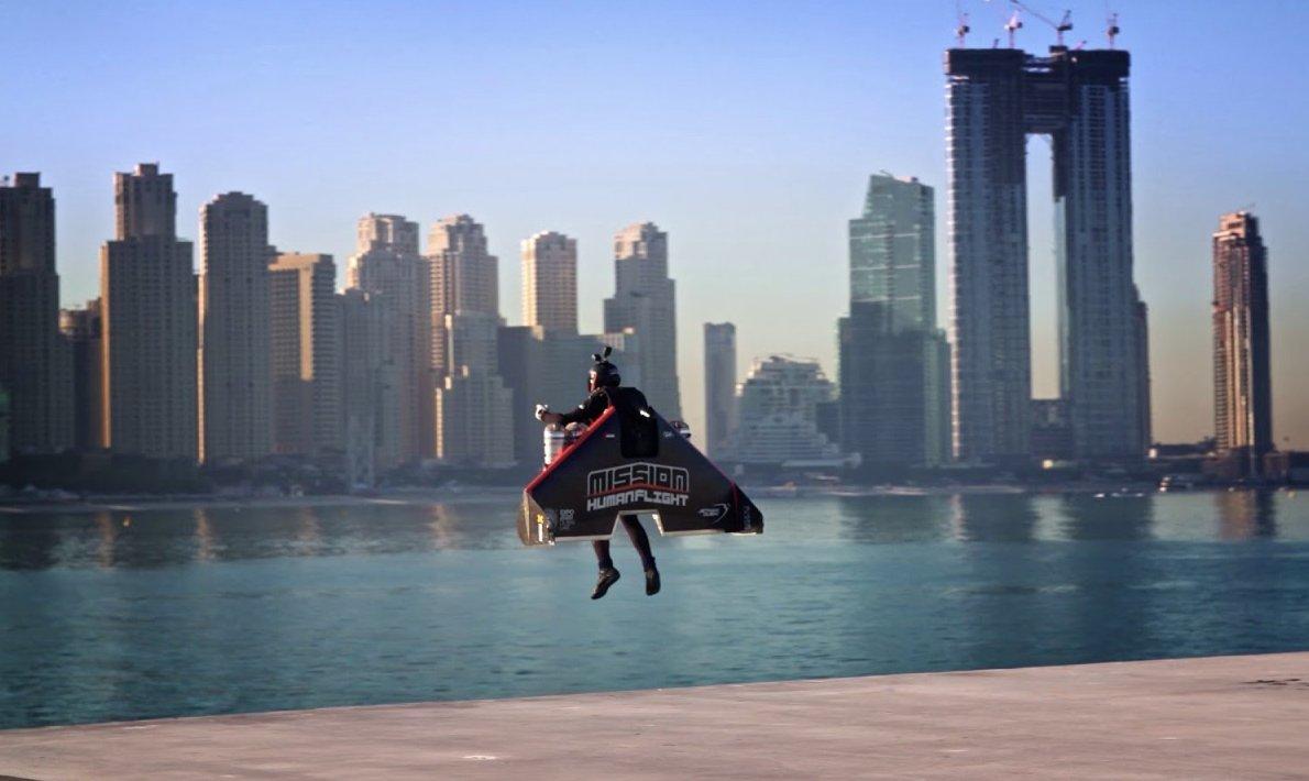 """Sometimes you gotta run before you walk."" - Tony Stark   First time a man has taken off from the ground and flown into the sky, Iron Man would be proud. https://www.theverge.com/tldr/2020/2/18/21142603/jetman-dubai-pilot-video-watch-jetpack-iron-man-autonomous-human-flight… #Dubai #IronMan #FutureTech  FLY, @VinceReffet pic.twitter.com/tgChorvfMH"