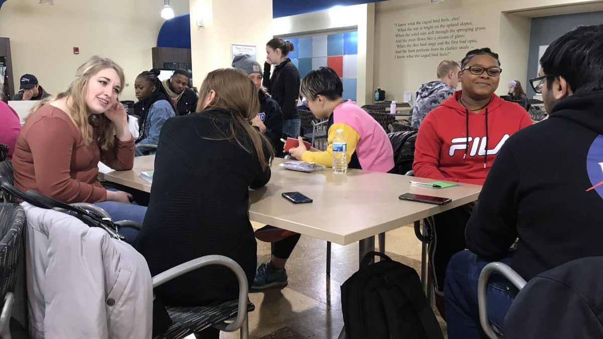 Collaboration is a win-win for all! Students in @WSU_COMDept Dr. Melissa Spirek's COM 1010 class met with LEAP 3 students at @dunbarlibrary. The COM students shared their informative abstracts and the LEAPers got to practice their communication skills. #WrightStateRightSchool pic.twitter.com/Gy1XGcQU8X
