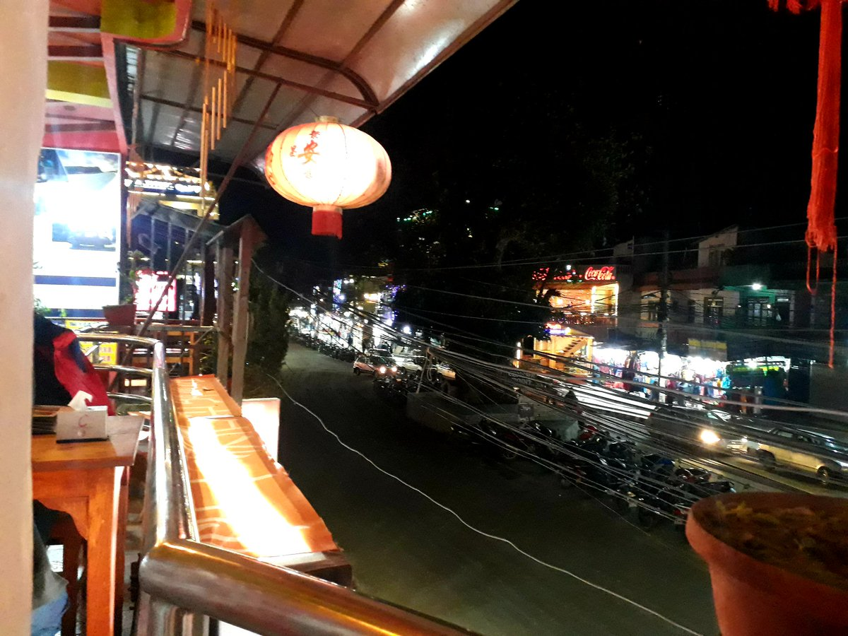 Streets in lakeside Pokhara are literally empty. #VisitNepal2020 couldn't pick up due to Corona outbreak. pic.twitter.com/pTbAvBBEuU