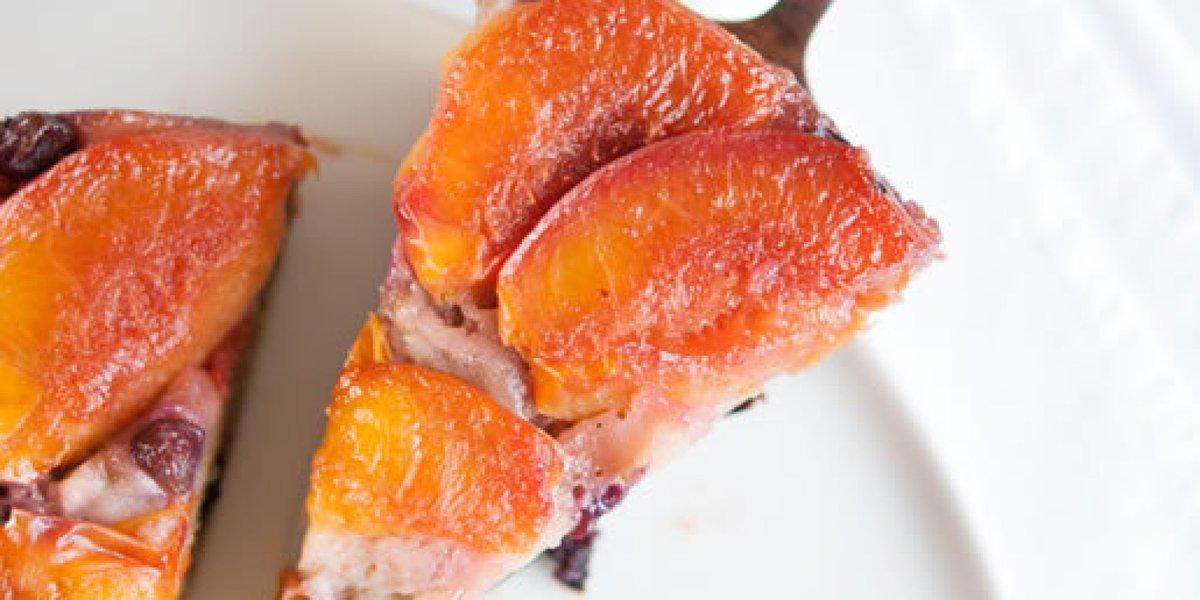 Nectarine-Blueberry Upside Down Cake. #foodstyling #customcakes