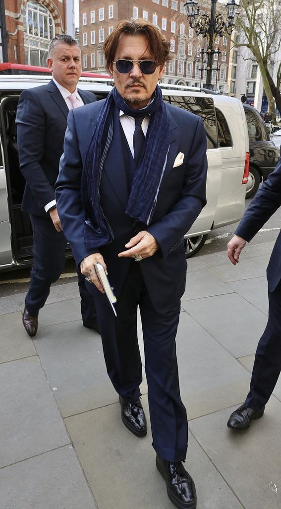 EXCLUSIVE: #JohnnyDepp makes surprise appearance at London's High Court as he sues The Sun over column branding him a 'wife-beater' https://www.dailymail.co.uk/news/article-8046849/Johnny-Depp-makes-surprise-appearance-Londons-High-Court-sues-Sun.html…
