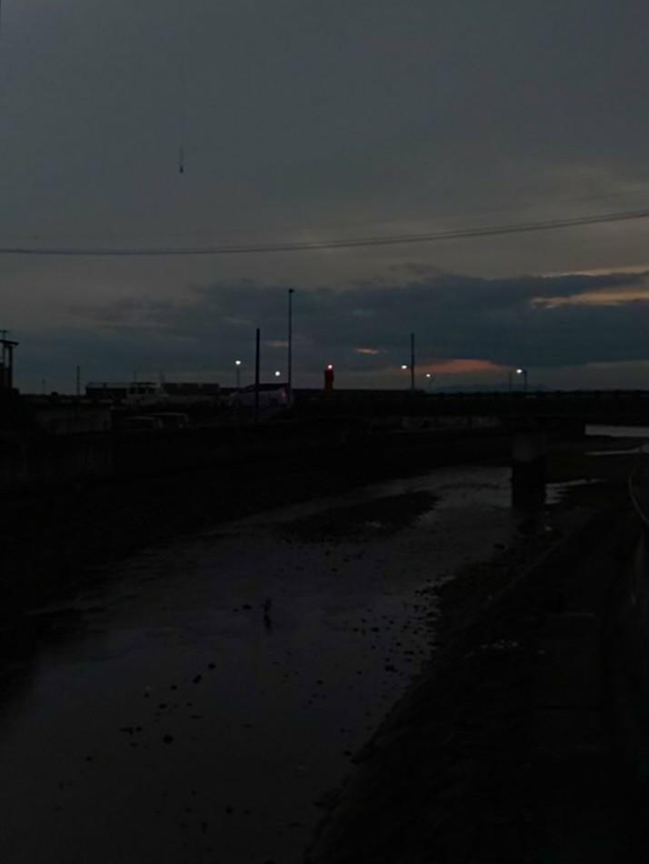 夕焼け #mysky #sky #sorasuki #ソラモノ写真館 #sunset #川 #水鏡 #reflection #茜雲