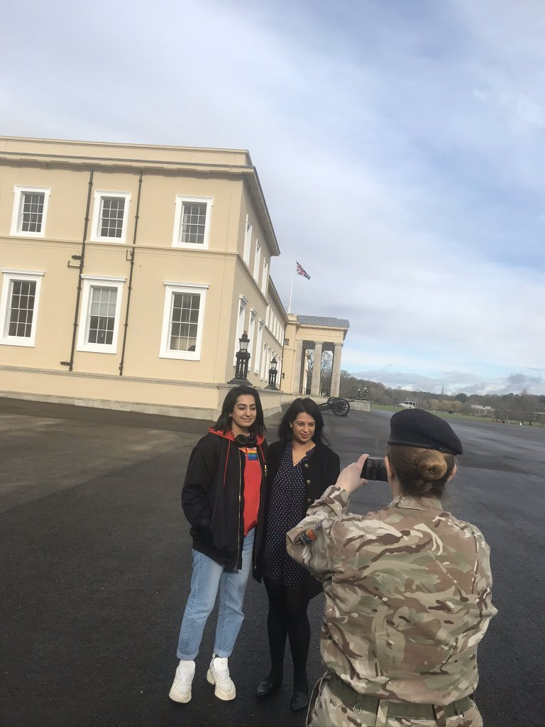 It was brilliant to see that the chapel at @RMASandhurst commemorates the diverse communities that we defend!    Great to meet @peatreebojangle @KizzaKat to discuss the @bimcic Indian Women at War  event next month #exciting #IWD2020 #CommonwealthDay #force4inclusionpic.twitter.com/TaUcMGSYzR