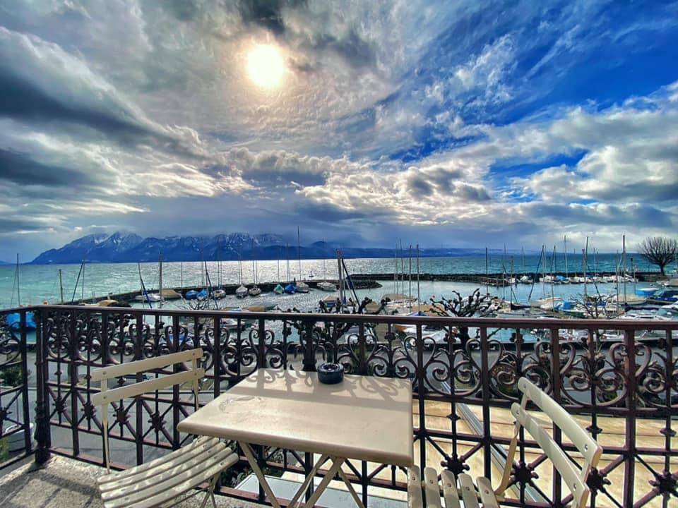 .@Rivagelutry  Que pensez-vous de cette fin d'hivers 2020 ?   #ClimateChange #hotel #lavaux #innovation #vaud pic.twitter.com/LMDIaRISXq – at Lake view Hotel  Le Rivage Lutry-Lausanne-Lavaux