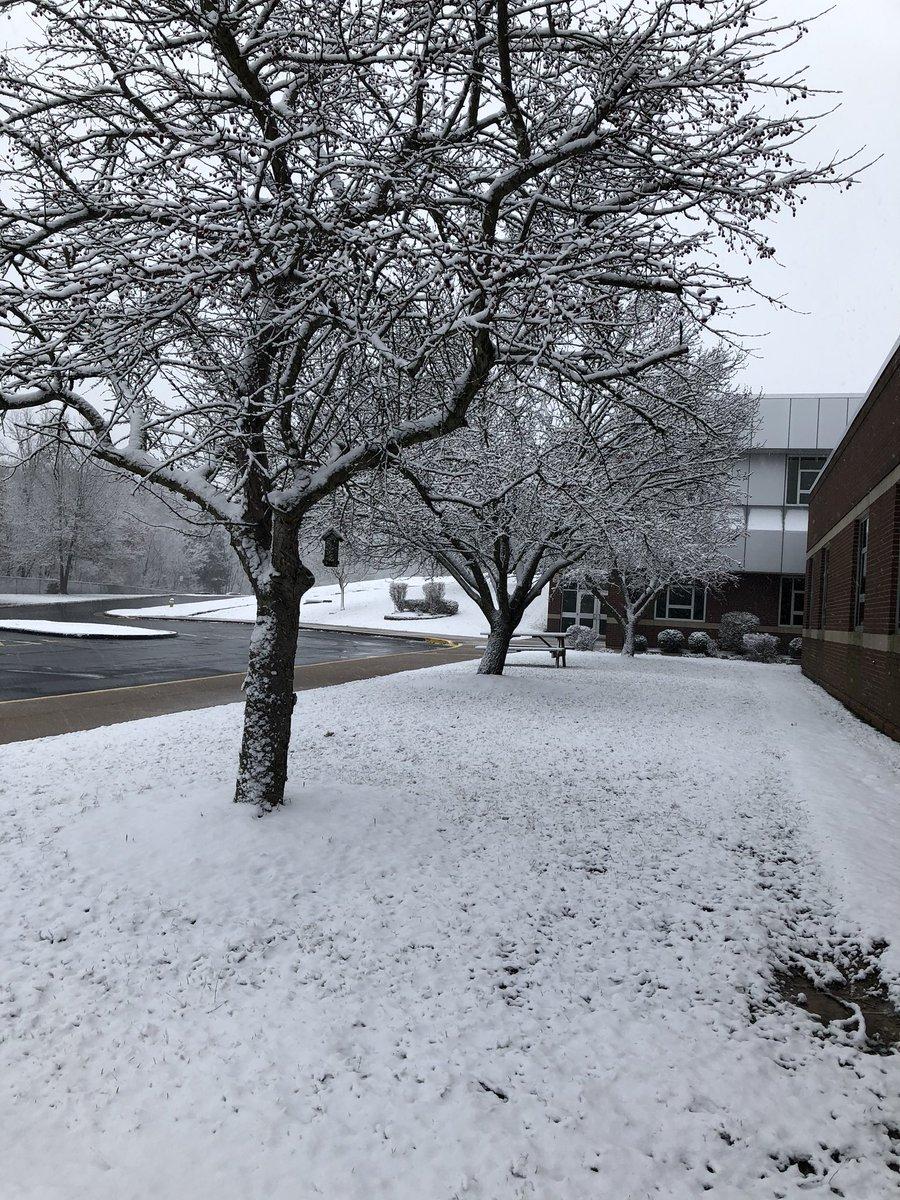 Snowfall makes a guest appearance. @RogersElem @MehlvilleSD #msdr9