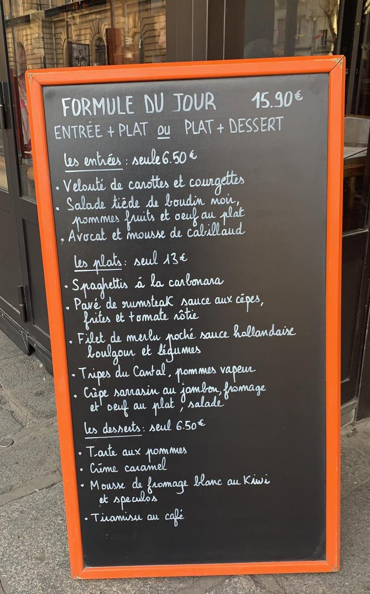 Who's hungry & what are you ordering? #Paris #parisjetaime #Travel #WednesdayThoughts 💖💕