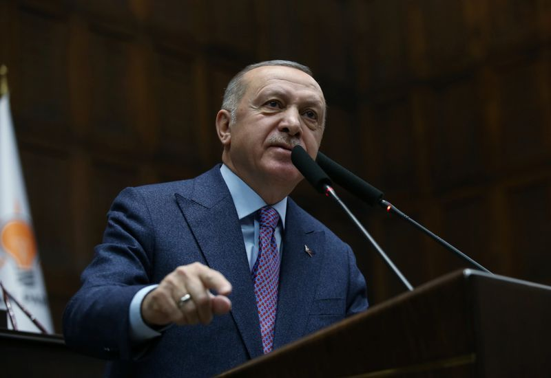 """#Erdogan made another speech today on #Idlib - re-asserting the end of February deadline for #Assad to step back to #Sochi lines or else face a #TSK-led military campaign.  More interestingly, he said #Turkey would """"soon"""" be able to fly aircraft over #Idlib. How, remains unclear.pic.twitter.com/Ip1A81dqGq"""
