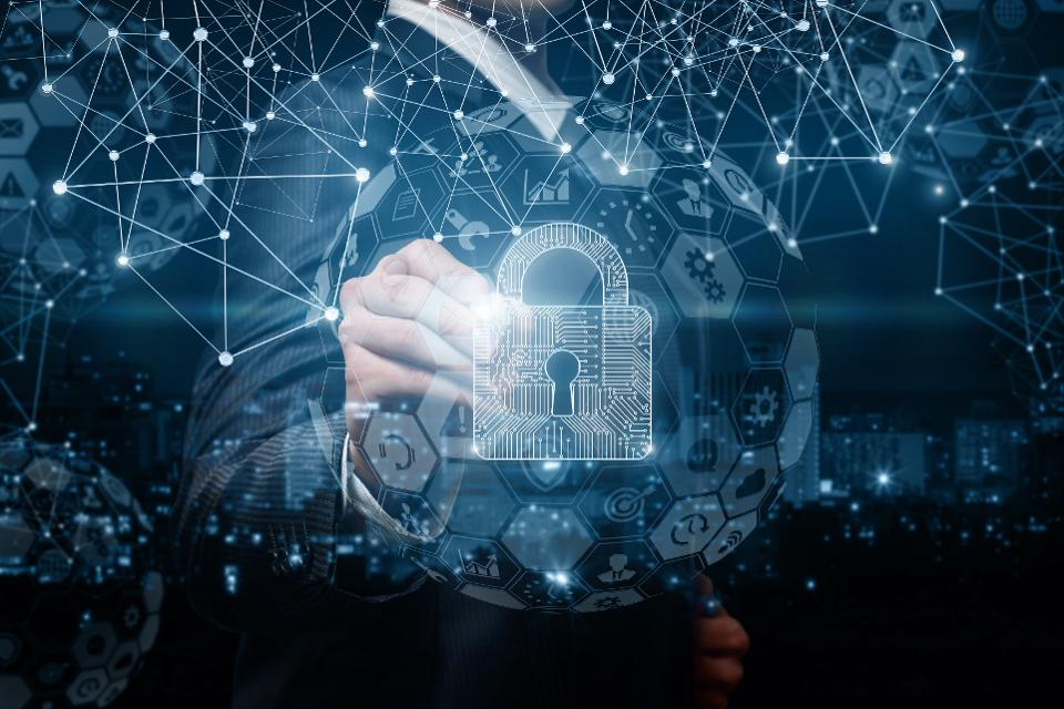 It seems that IT, compliance and legal teams do not see eye to eye when it comes to issues of #cybersecurity and how to address them. Forbes shares each of their perspectives: https://oal.lu/fCGvdpic.twitter.com/9f3ib4Iizq