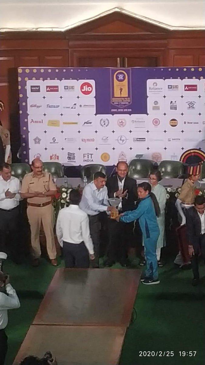 07 athletes of ITBP marathon team honoured with Cash reward of Rs 1,90,000/- for their performance at Mumbai International Marathon by DGP Maharashtra at Police HQrs, Mumbai.#fitindiamovement#Himveers