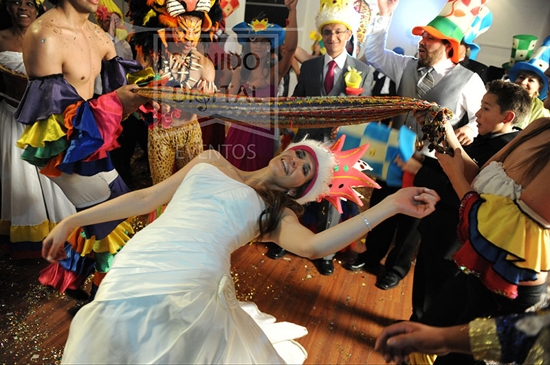 We'd love to hear from you out there about your #wedding experiences in #Colombia. I am sure we could collate a great number of hilarious stories. In the meantime, tune in to this #podcast for a humourous look at the wedding extravaganza here