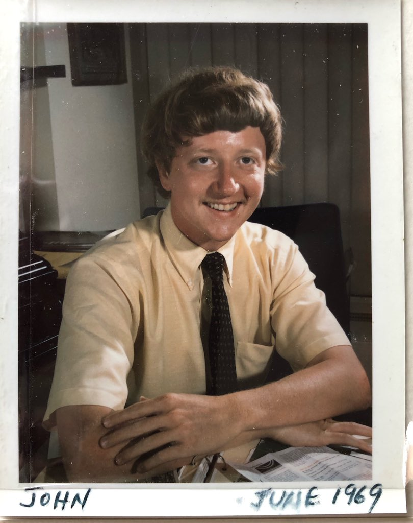 Many thanks to @RWMaddenphotog for this swell Polaroid portrait of *me* sitting @NatGeoPhotos Chief Photographer Tony Stewart's desk on 2nd floor, June 1969. Bob was doing a strobe demo for me, the intern. Thanks to my Mom (rip) for saving it. Btw no color correction here. pic.twitter.com/FrCnx3iNYL