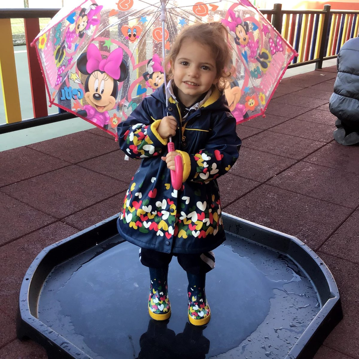 So what better way but to have 'hands on' experience but to get wet. All the children were their rain coats & wellington boots and brought in their umbrella to try and stay dry.   Learning is fun in N2 Bugs! #rainraingoaway#amazinglearning #openingminds #learningbydoing #ieycpic.twitter.com/jQsSmz9tho