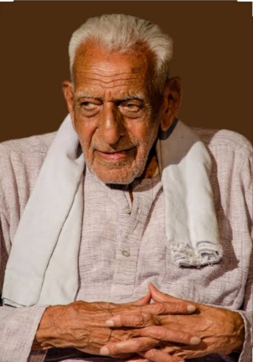 BJP Leaders are Worst Humans  Former Union Minister & BJP MLA Basanagouda Yatnal called 101-yr old freedom fighter H.S. Doreswamy as 'Fake Freedom Fighter' & 'Pakistani Agent'  All this flows from the top. Modi & Shah have emboldened ppl like Yatnal.  #ArrestDeshadrohiMLAYatnal<br>http://pic.twitter.com/lglNz20yR2