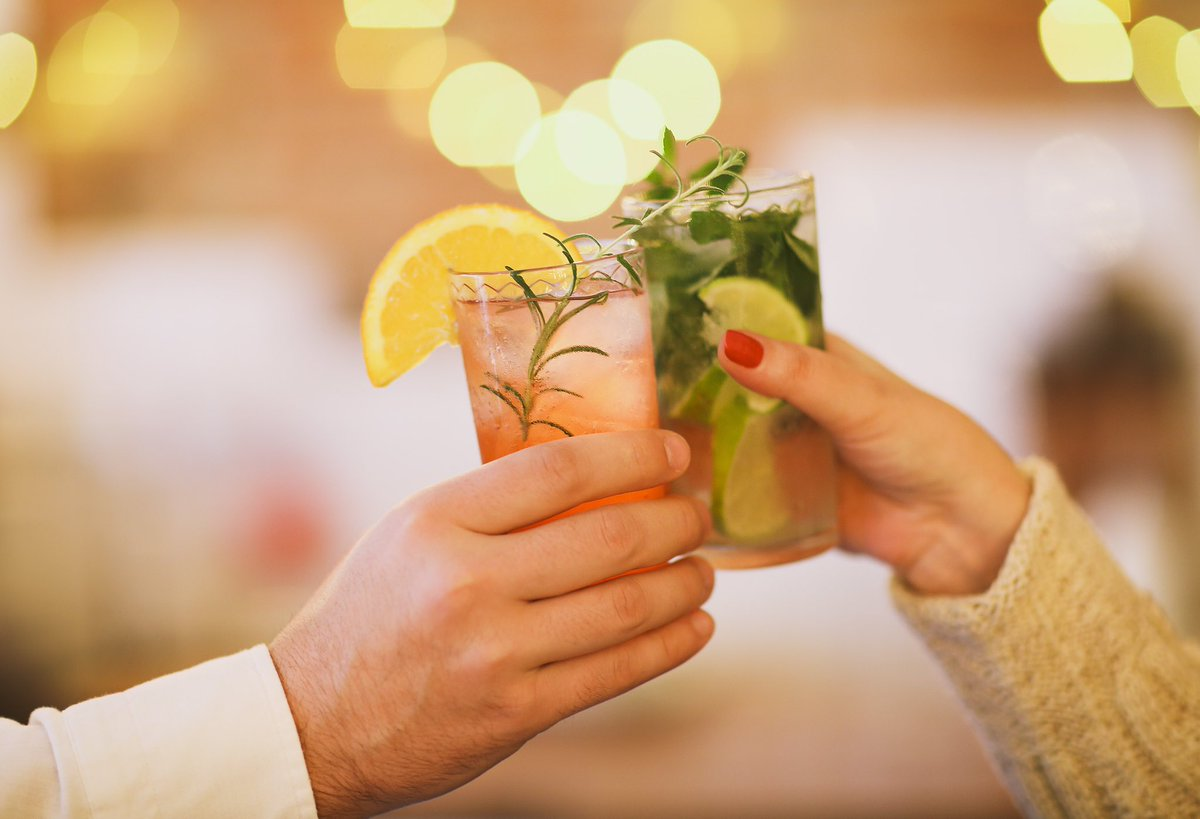 Why not end your day with a cocktail? Enjoy 20% off selected beverages at the Piano Lounge daily from 5-9pm. https://t.co/fZAjqgRG8B