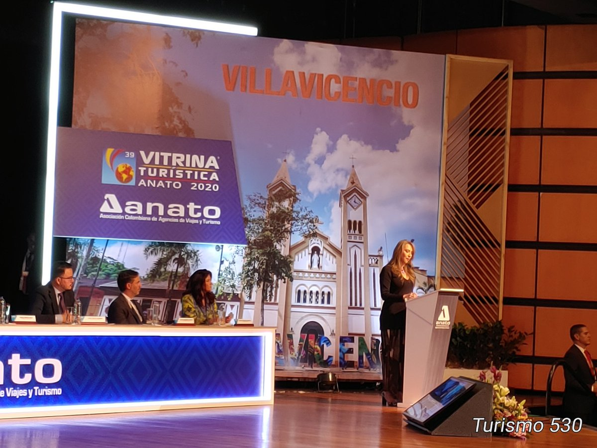 """""""Se pierde mucho con la informalidad en turismo, necesitamos mayores controles"""" el reclamo de Anato al presidente de Colombia Duque Marquez #Anato2020pic.twitter.com/S5QhcBnJg4"""