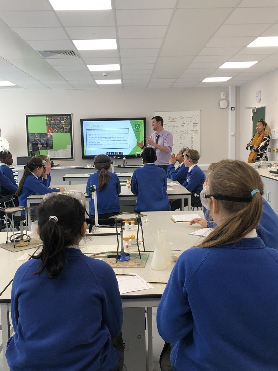 We welcomed St Augustine's Primary into our new Science labs to conduct experiments and 'Solve the Big Picture'!  The students particularly enjoyed using the Bunsen burners for the first time!   We hope to see you again soon!  #STEM #Science #STEMeducation pic.twitter.com/Ye3BVWjQKm