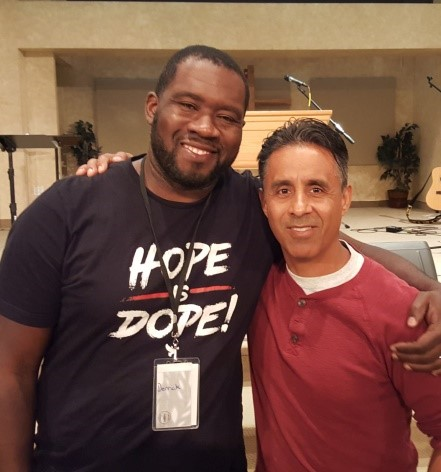 """I love the #diversity with both English and Spanish men coming together for #worship and fellowship. I haven't seen anything like this in the city."" >>http://bit.ly/2vCItrn << #mensretreat #christian #urbanministry #blogpic.twitter.com/13dv8ArM2g"