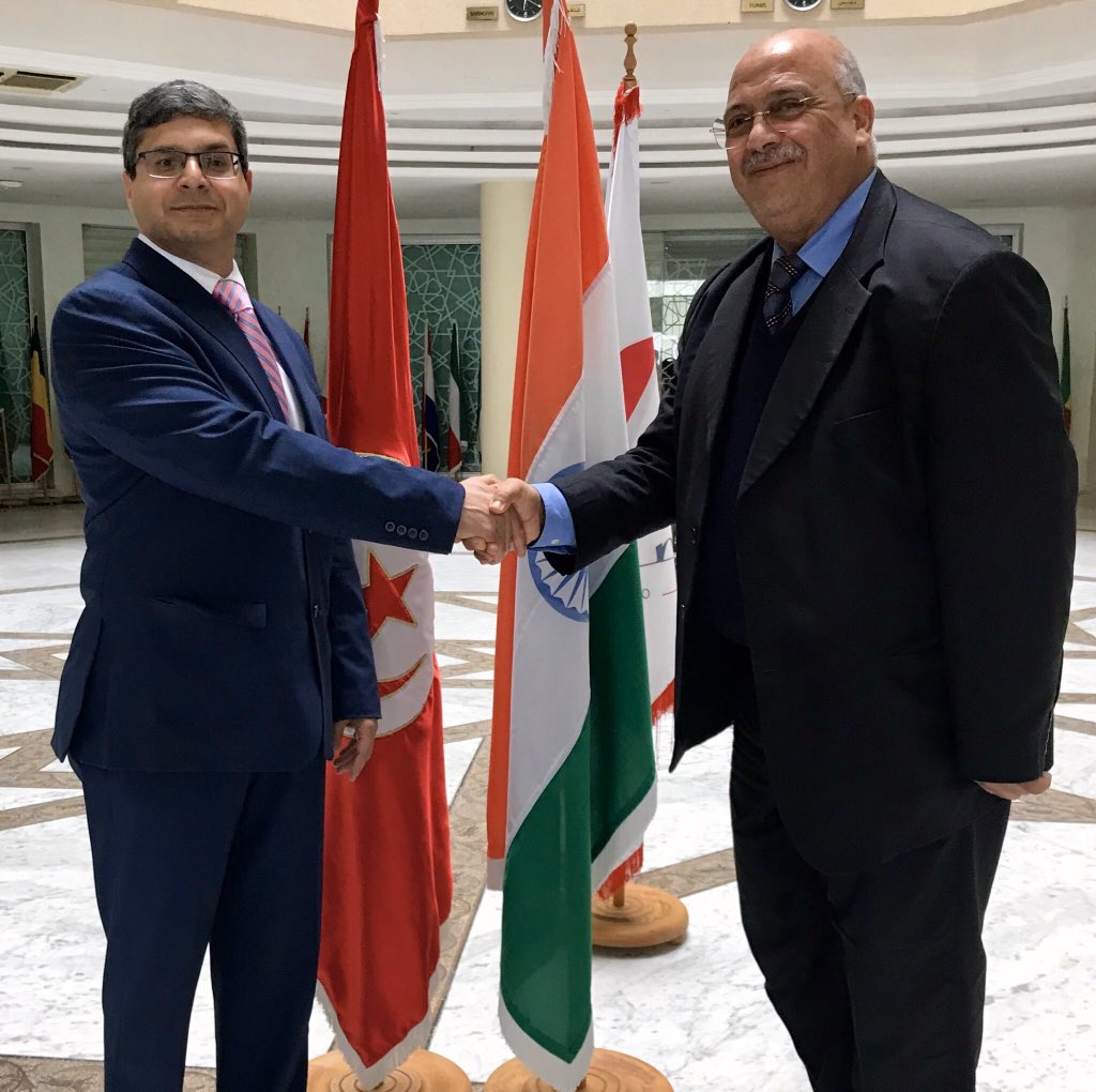 Called on Mr. Youssef Neji, DG- President & CEO of Tunisia Export CEPEX. Lively and enriching discussion on India - Tunisia bilateral trade and commerce relations and on ways to increase our trade volumes. @IndiainTunisia @SecretaryCPVOIA @FieoHqpic.twitter.com/1etaA8SCX3