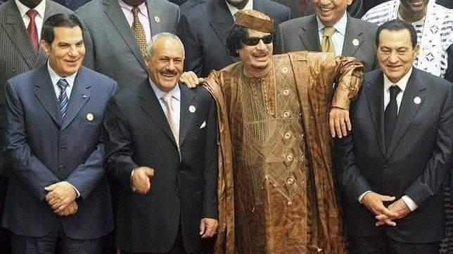 Kowani waa madaxdii carbeed mar ka talin jiray carabta afartan madaxweyne labo waa la dilay labada kale waxay u dhinteyn si caadi ah Libya, yaman,masar,Tunisia pic.twitter.com/cM24x4Q8kZ